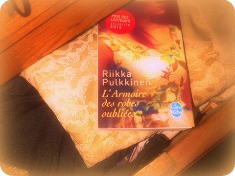 livre armoire 046