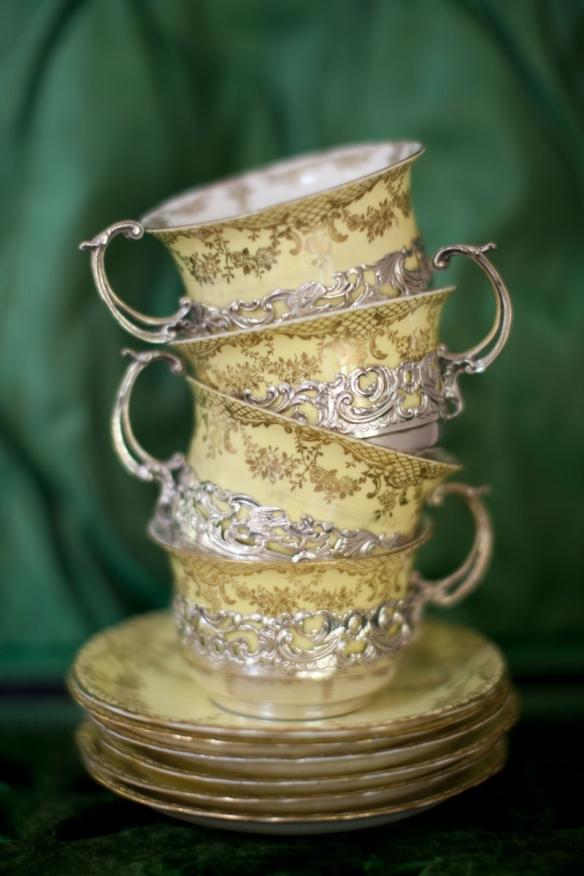 P.A.T ou Pile à thé (ou tasses) !