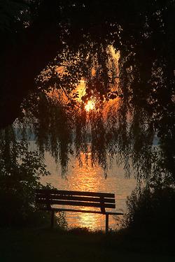 banc coucher de soleil fillingthesoulwithbeauty