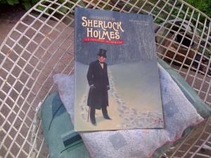un superbe album narrant une histoire de Sherlock Holmes, déjà lu, vraiment très beau !