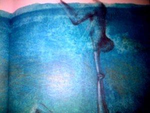 l'image de l'eau est bien mise en exergue...et en valeur !