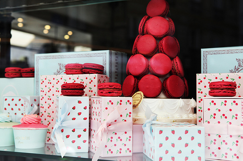 macarons vitrine ladurée lylouanne