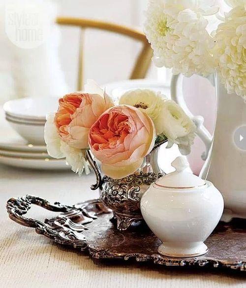 roses anciennes et plateau lylouanne