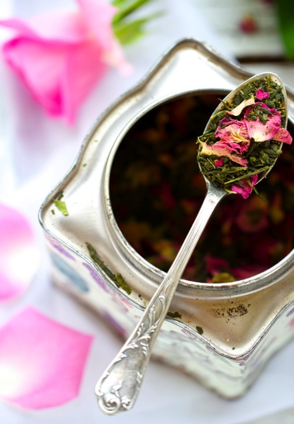thé fleurs feuilles ana-rosa