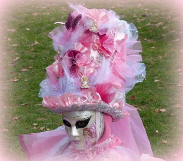a-masque rose