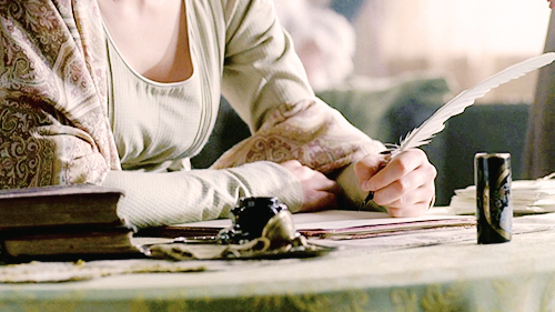 femme écrivant flor-de-alma tumb
