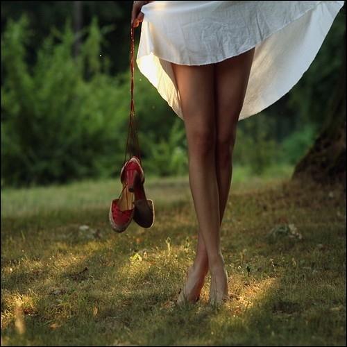 jambes nnues sous jupon infinite-paradox