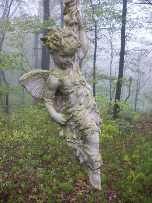 ange pour Lylou Romantic Home Bliss & Forgotten Elegance page FB 10.04