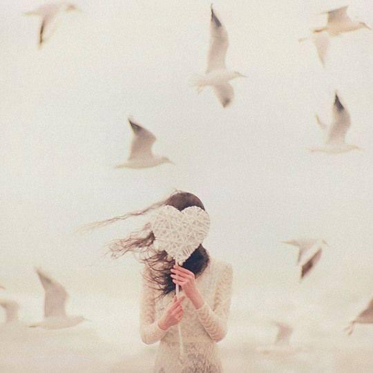 coeur blanc femme sur FB