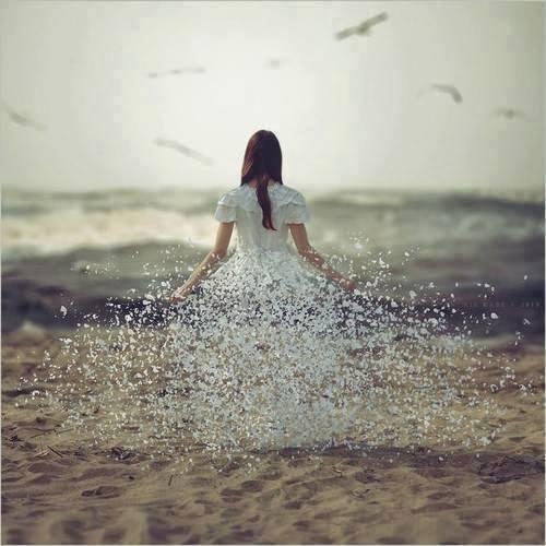 été femme blanche dissoute dans le sable tersessenta