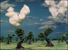 oiseaux blancs en nuages sur film adollah alimerad