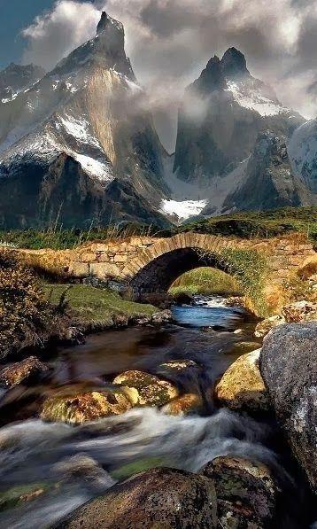pnt de pierre montagnes rivière galets
