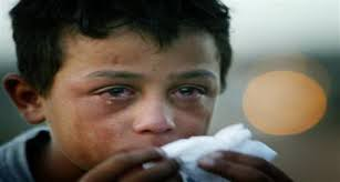 a enfant liberté enfant syrien mange