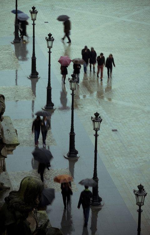 a pluie Paris bluepueblo tumb