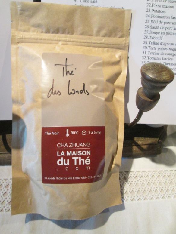 Un thé noir comme je les aime, parfumé et corsé, le Thé des Lords de la Maison du Thé (le préféré de Sandrion), il est excellent !