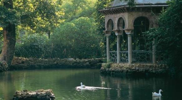 Parc Maria Luisa à Séville. La gloriette...