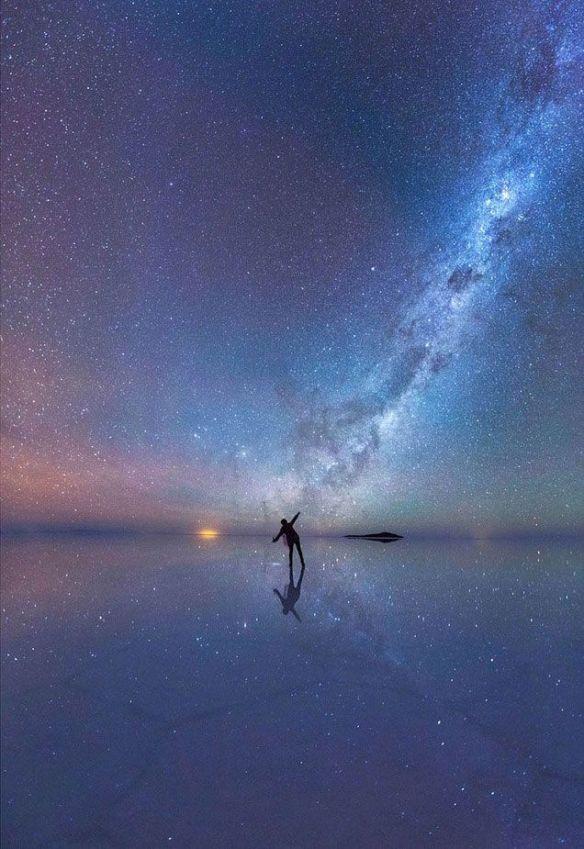 a étoile monde voie lactée homme seul